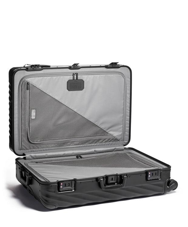 哑光黑长途旅行行李箱